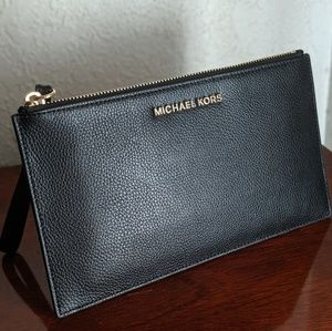 NWOT Michael Kors Jet Set Leather Clutch